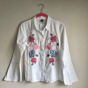 H&M / White Floral Embroidered Button Down Blouse